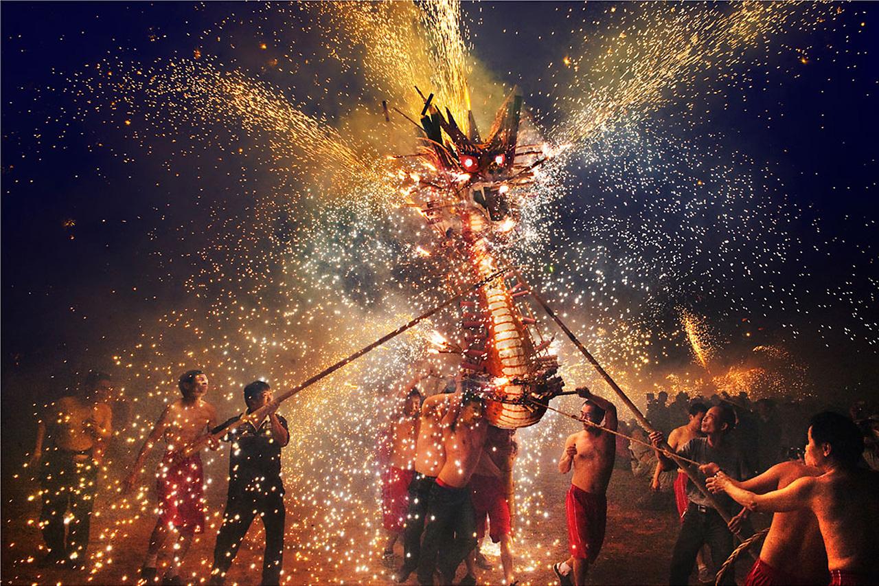 Огненный дракон, 2-приз Национального Конкурса Гонконга, фотограф, Chi Hung Cheung