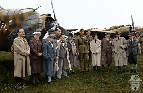 1940 - Debrecen -  3_6 Bomb__z__ Sz__zad Uz Bence - fortepan_28396 m__solata.jpg
