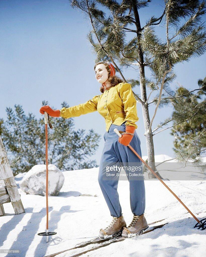 Canadian actress Deanna Durbin on a ski slope, circa 1945.jpg