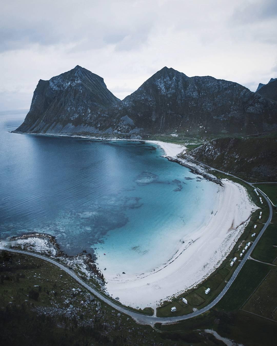Холодные и угрюмые пейзажи Марвина Кухра