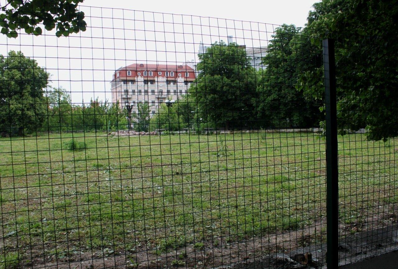 Сетка вокруг места реконструкции