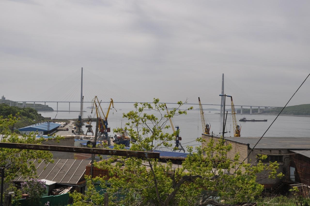 Русский мост. Вид со стороны Владивостока