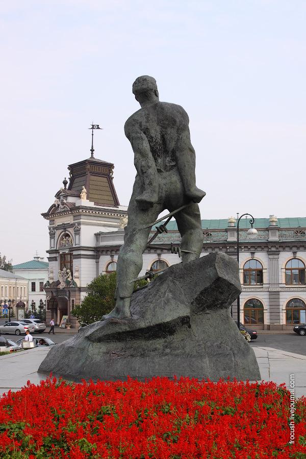 Памятник Мусе Джалилю, Государственный музей республики Татарстан