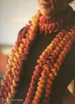 Изысканные шарфы, палантины, шали, связанные крючком.
