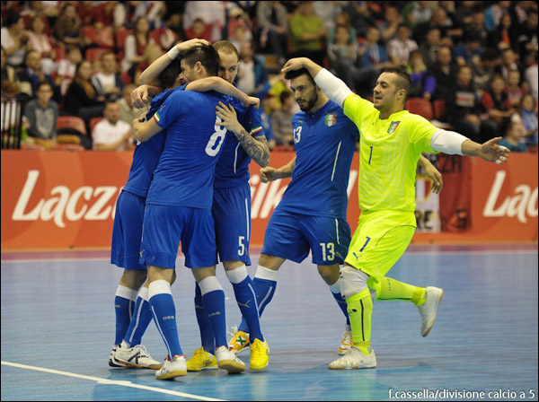 Белорусы сыграли вничью с поляками в квалификации ЧЕ-2016 по мини-футболу