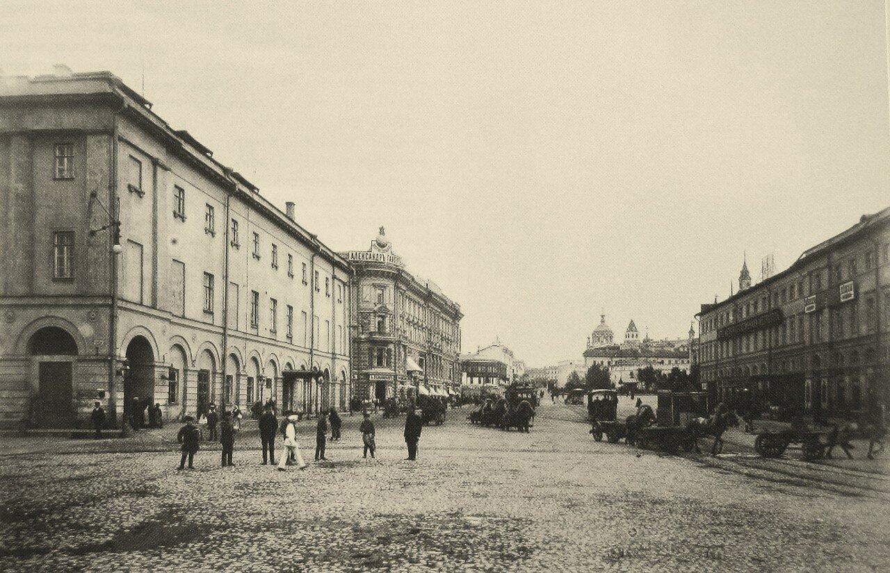 190. Вид с Театральной площади на Лубянскую площадь.1884