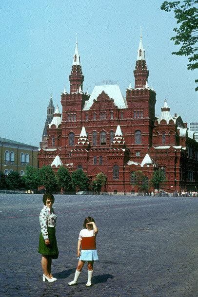 13. Музей В. И. Ленина в северной части Красной площади