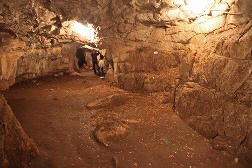 Вот такие нынче пещеры бывают