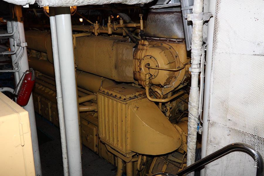 Дизель 6 ЧРН 36 (ЭГ70-5). Изготовлен в Нижнем Новгороде на заводе «Двигатель Революции»
