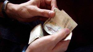 Приморцы продолжают оставаться в должниках
