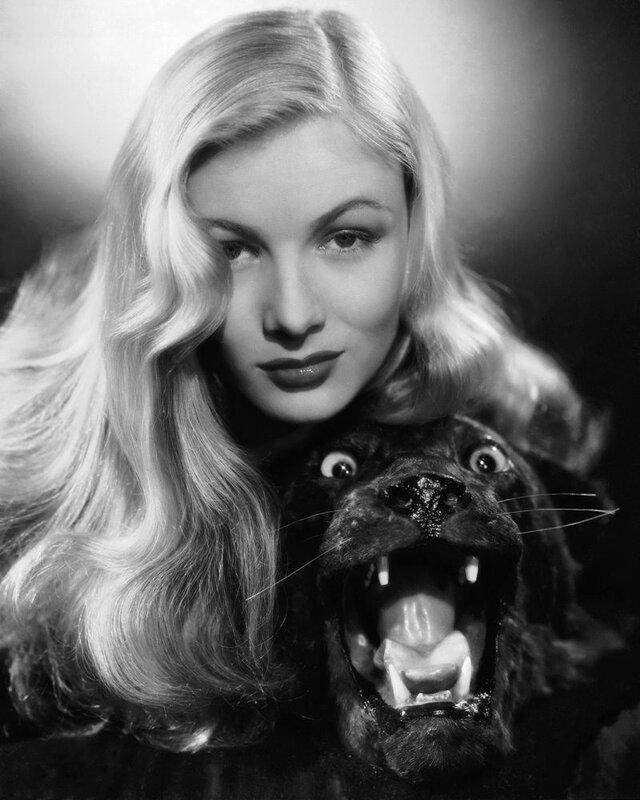 Знаменитости и животные. Veronica Lake