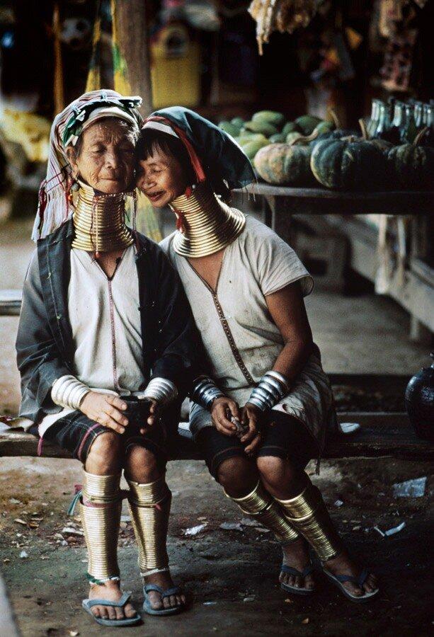 Другой мир.Steve McCurry.Мать с дочерью