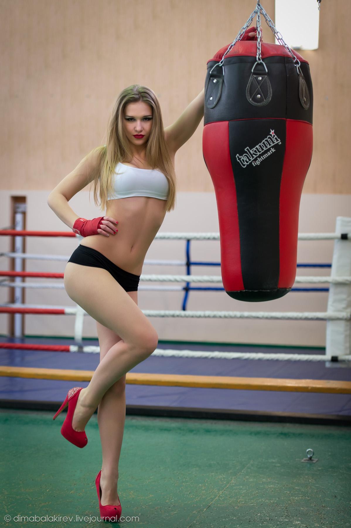 Девушки на ринге