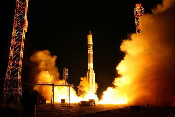 "Ракета ""Протон"" упала с российским спутником"