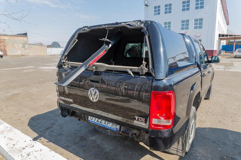 VW Amarok - взрыв стекла