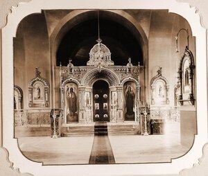 Вид алтаря православной Беловежской церкви.