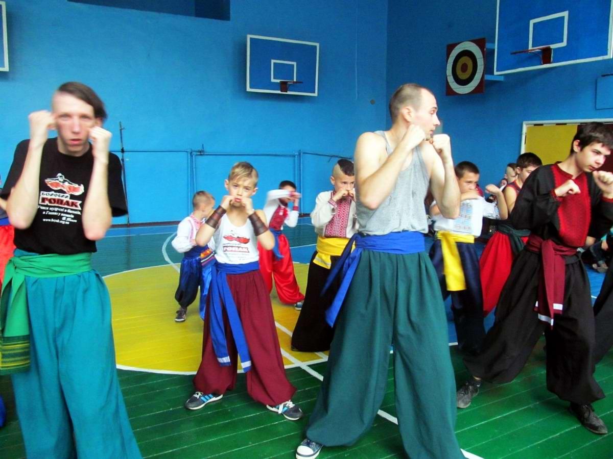 Квалификационный групповой экзамен в школе боевого гопака города Нетешин (Хмельницкая область) (22)