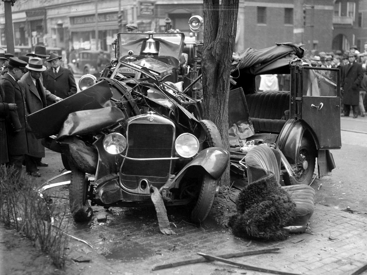 Автомобильные аварии в США на фото 1-й половины 20 века (0)