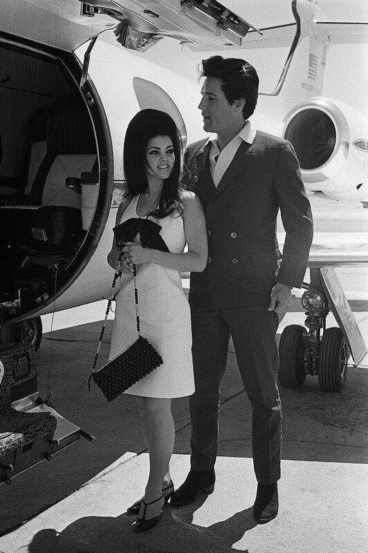 Elvis And Priscilla Presely после выступления в Aladdin Hotel.1967 Las Vegas