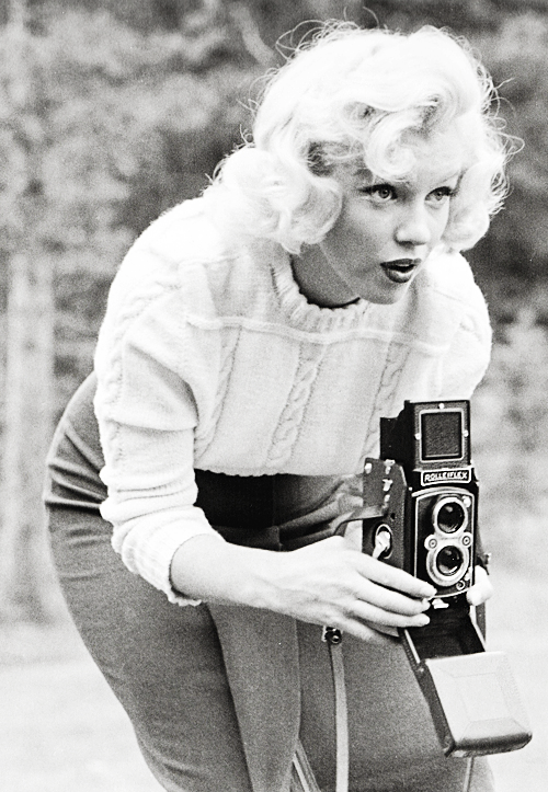 Marilyn Monroe photographed by John Vachon, 1953.png