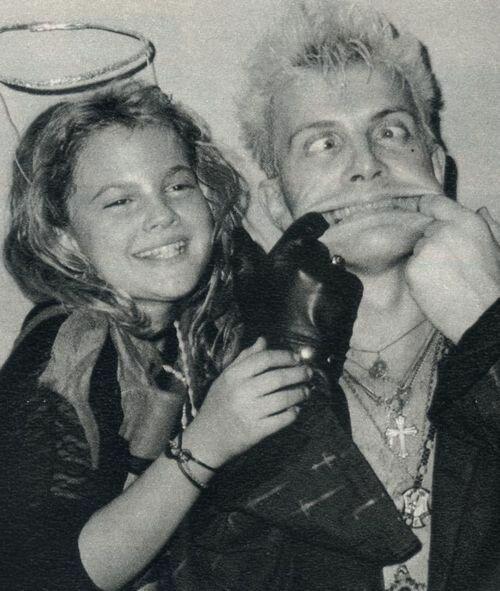 Billy Idol & Drew Barrymore 1985.jpg