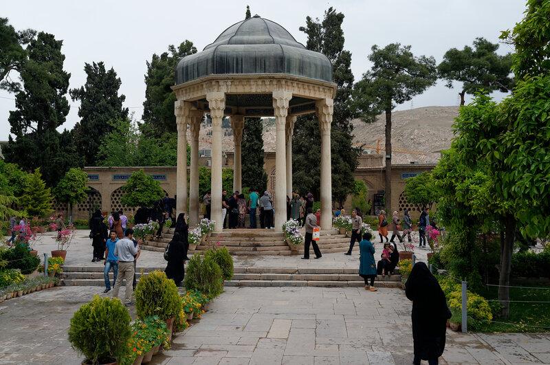 Шираз. Могила Хафиза.