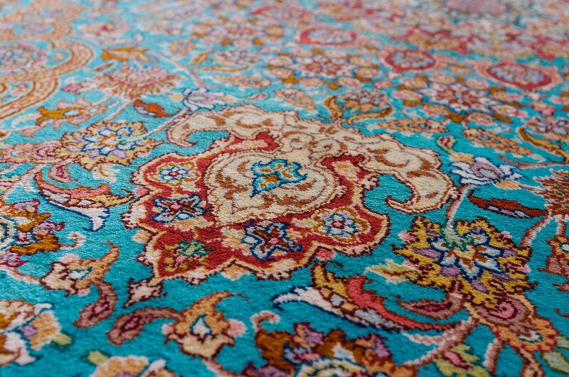 Шираз. Персидский шелковый ковер.