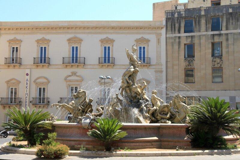 Сицилия, Сиракузы,фонтанАртемиды