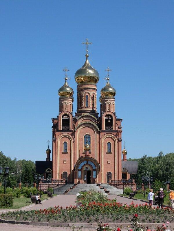 Осинники - Храм во имя Святой Троицы