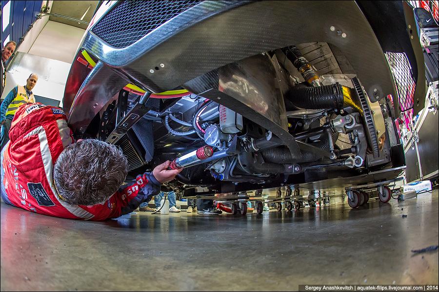 Как готовят машины к гонкам