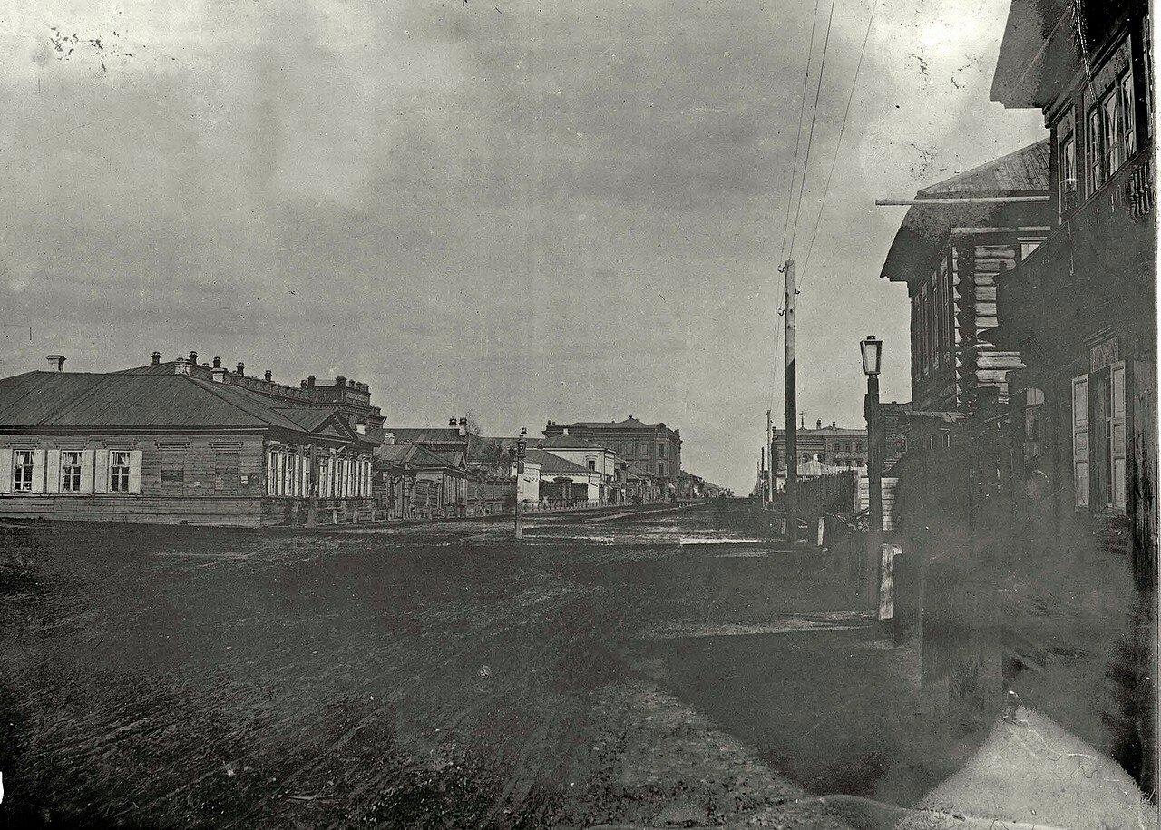 Фрагмент угла Ново-базарной площади с перспективой ул. Воскресенской в направлении на северо-восток