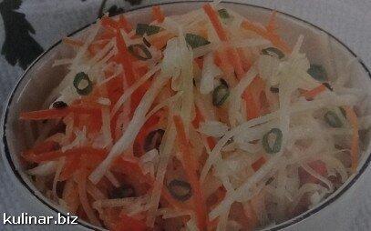 Салат з редьки з морквою і сиром