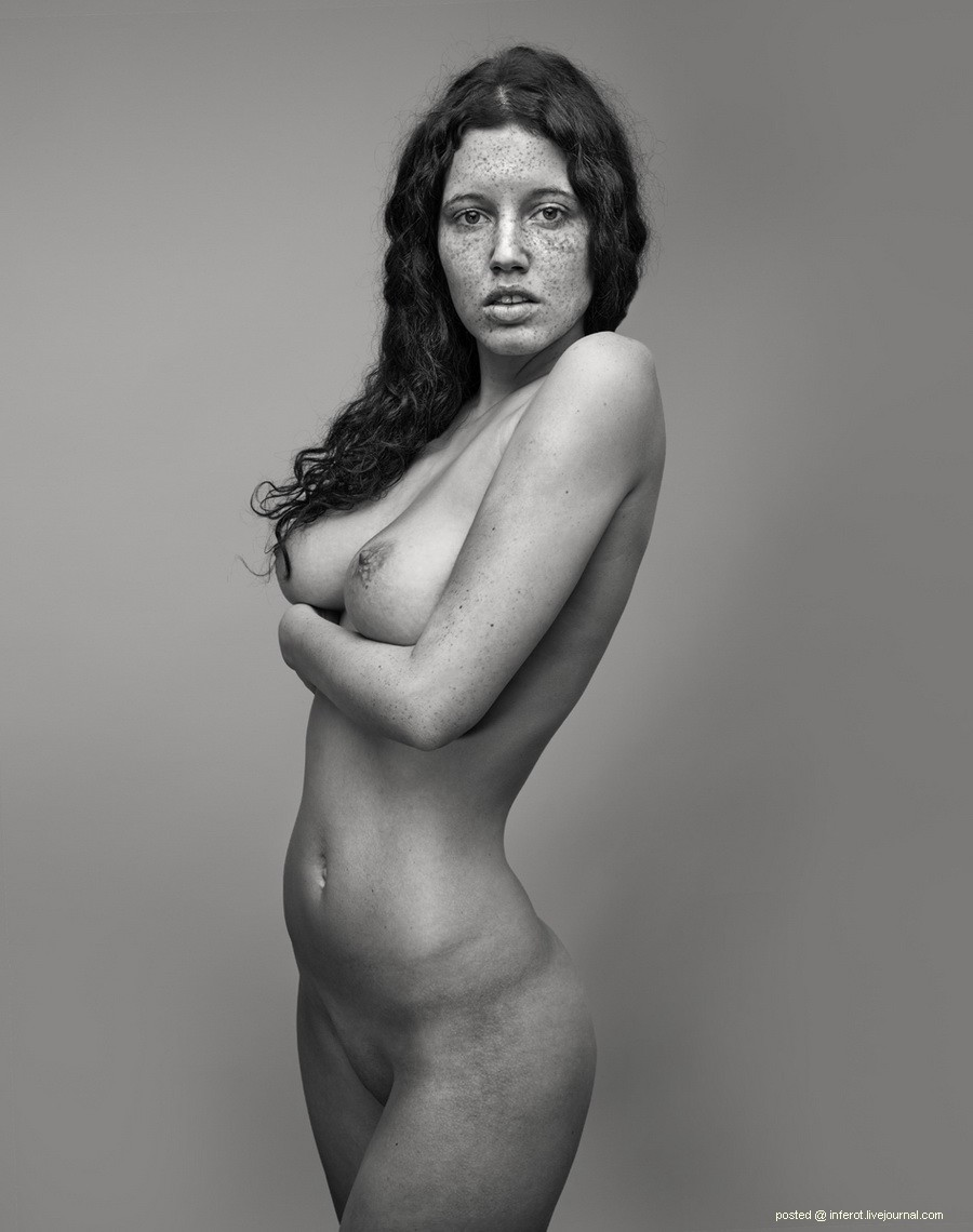 Портреты голый девушке как она сидит на парне 11 фотография