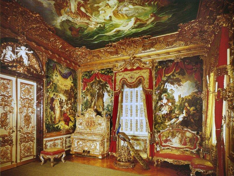 Гобеленовая или Музыкальная комната. Во дворце Линдерхоф