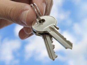 В бюджете Приморья необходимо предусмотреть дополнительные средства на обеспеченье сирот жильем