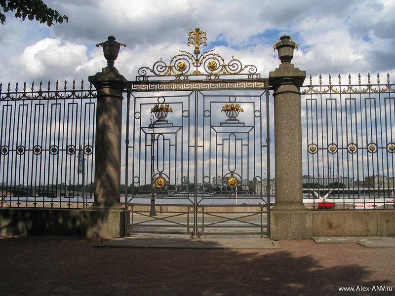 Главные ворота Летнего сада