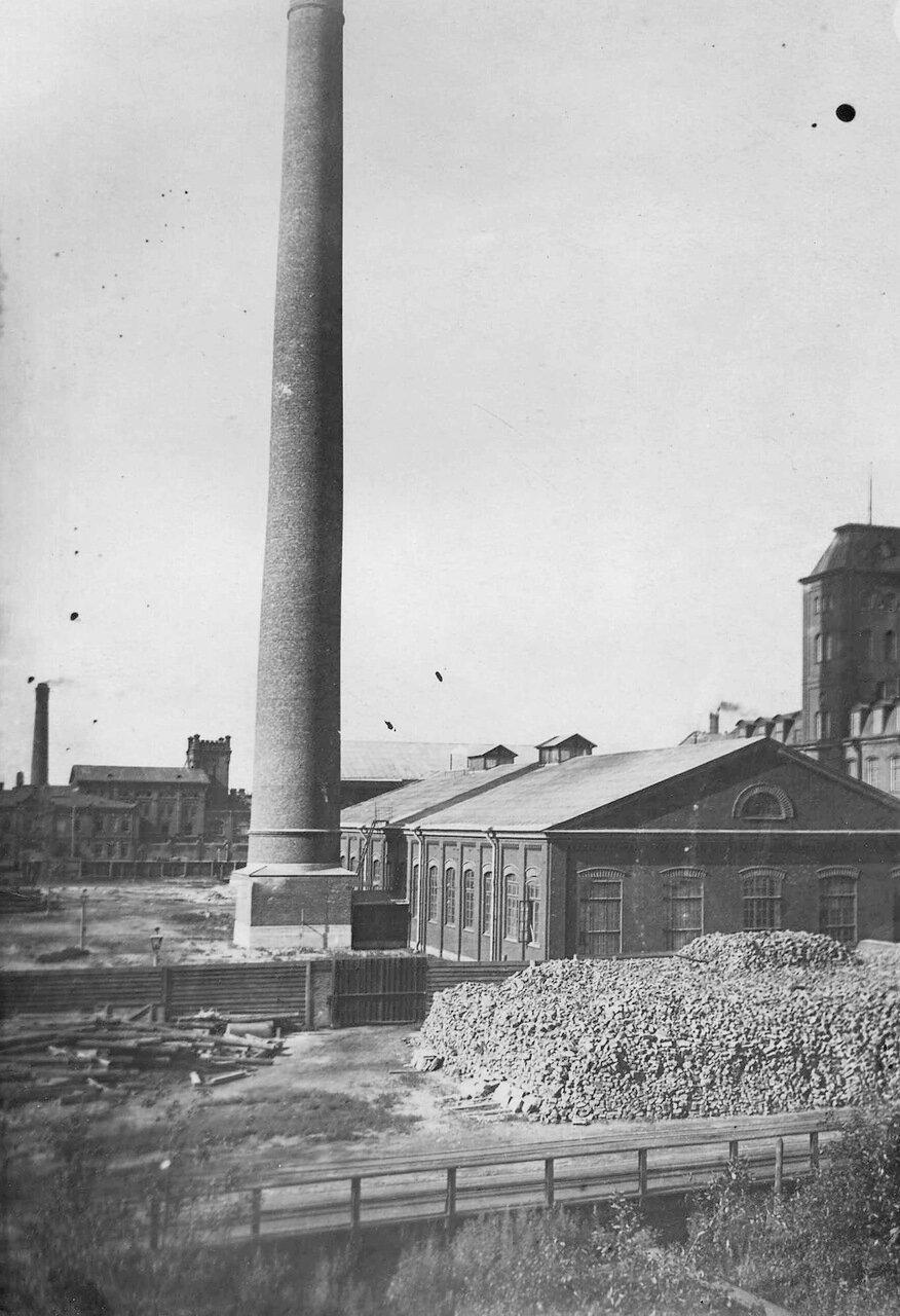 03. Часть территории фабрики со складами топлива