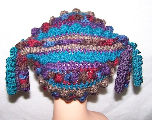 Необычные модели шапок крючком.