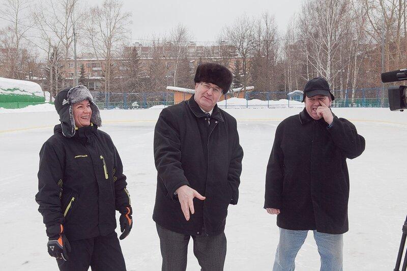 5 марта 2011 представительная комиссия в составе мэра Одинцово Александра Гусева и депутатов Мособлдумы Ларисы Лазутиной и Владимира Дупака проверяла одинцовские катки