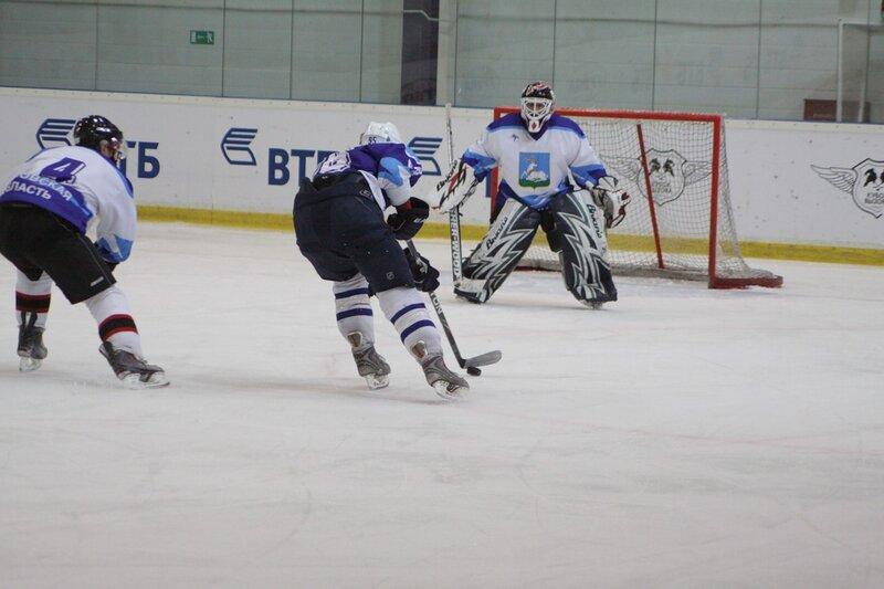 8 марта 2011 в одинцовском Ледовом дворце прошла матчевая встреча по хоккею с шайбой среди любителей: сборной  Одинцово и  «Олимпом»
