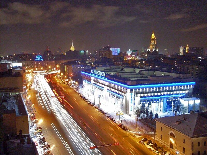 Зубовский бульвар вечером.