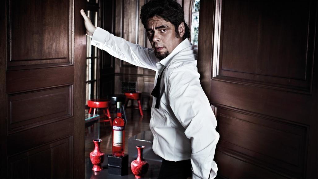 Бенисио дель Торо / Campari The Red Affair 2011 calendar - Benicio del Toro by Michel Compte - октябрь