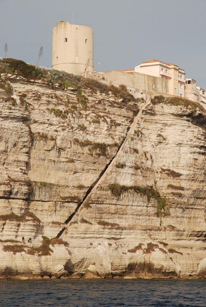 Лестница арагонских королей (Escaliers du Roy d'Aragon) на Корсике