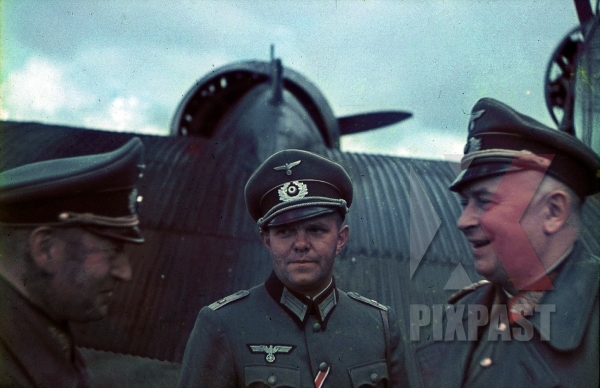 stock-photo-ukraine-1941-german-wehrmacht-generals-fly-to-meet-hitler-on-junkers-transport-plane-9th-panzer-division-12308.jpg