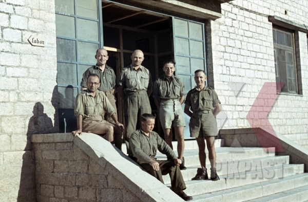 stock-photo-german-afrika-korp-military-medical-doctors-beside-laboratory-tunisia-1942-tropical-uniform-11597.jpg