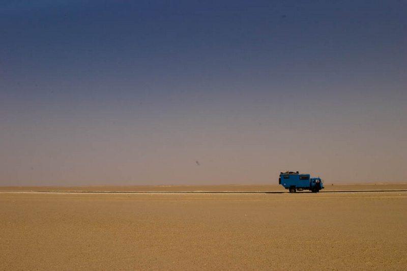 Парень бросил работу, купил грузовик и за 19 месяцев обогнул Африку