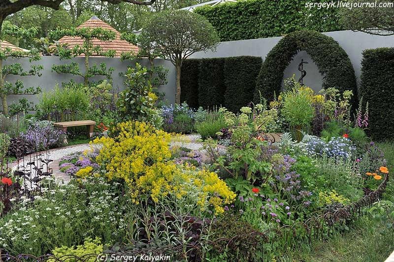 A modern Apothecary Garden (23).jpg