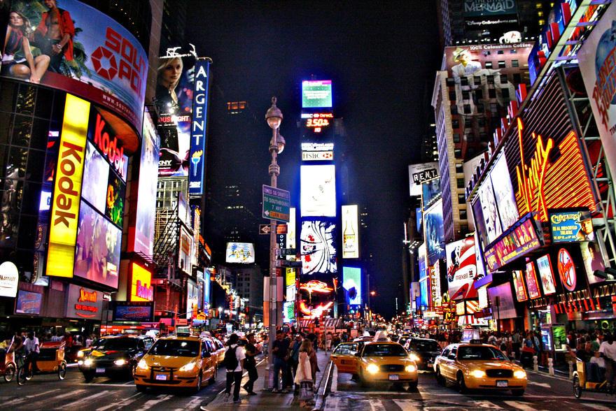 13. Самая многолюдная достопримечательность – Таймс-сквер Это место по праву считается самым помещае