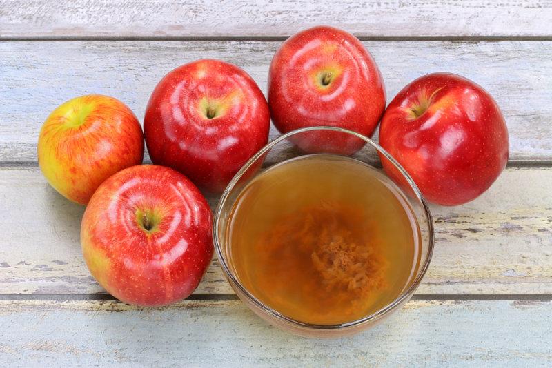Яблочный уксус содержитферменты, которые поддерживают рост пробиотиков.Кислая природа яблочного ук