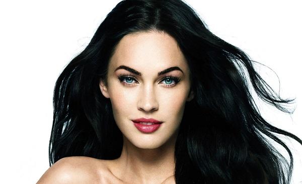 Дамы с полными губами, длинными ресницами и большими глазами сейчас считаются эталоном красоты. Имен